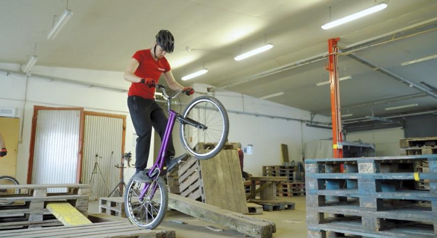Trial kerékpáros bemutató